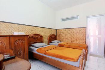 Lingga Guesthouse Jayagiri Lembang Bandung - Standard Hot Water FC 3 Days Basic Deal 40%