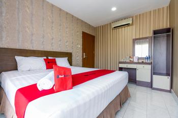 RedDoorz near Pelabuhan Makassar 2
