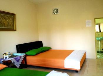 Mettaloka Guest House Magelang - Family Room Regular Plan