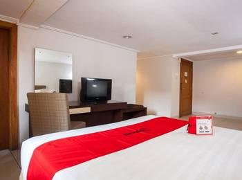 RedDoorz Premium @ Raya Nginden Surabaya - RedDoorz Premium with Breakfast Regular Plan