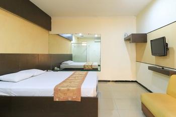 Pitstop Hotel Surabaya - Standard Double Room Minimum Stay