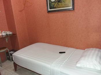 Rumah Shinta Jakarta - Single Room With Breakfast Hot Deals !!!