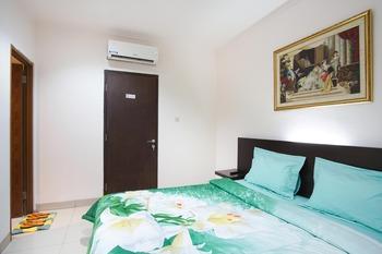 Time Out Hotel Jakarta - Standard Room Regular Plan