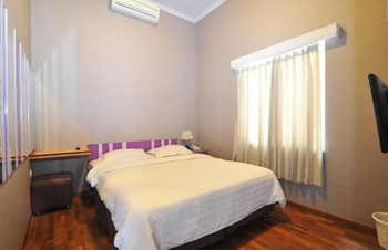 Fif-fa Hotel (Syariah) Malang - Standard Double Room Only Regular Plan