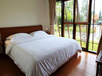 Spring Hill Bungalows Manggarai - Suite Room Regular Plan