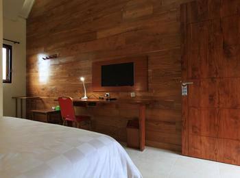 Spring Hill Bungalows Ruteng - Deluxe Room Regular Plan
