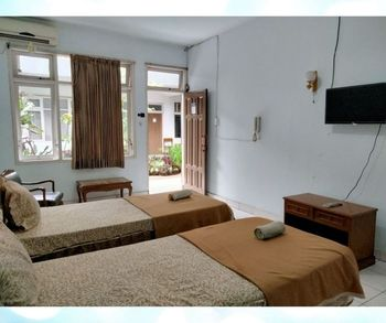Hotel Prima Cianjur Cianjur - Standard Twin Regular Plan