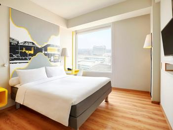 Ibis Styles Bandung Braga Bandung - Standard Queen or Twin Bed (Room Only) Regular Plan
