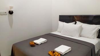 Hotel Radyoharto Yogyakarta - 01. Superior Queen Room Regular Plan