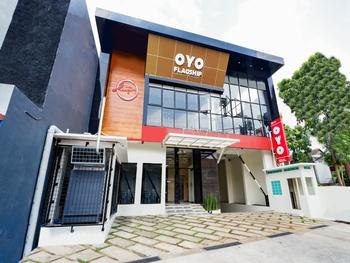 OYO Flagship 2124 Kars Inn Semarang
