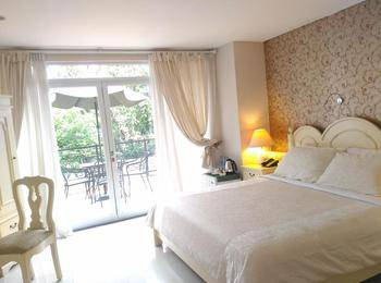 La Nostalgie Guest House Bandung - Junior Suite with Breakfast Regular Plan