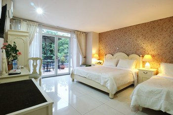 La Nostalgie Guest House Bandung - Junior Suite Room Regular Plan