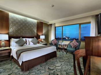 Aston Tropicana Bandung - Deluxe Room Breakfast Regular Plan