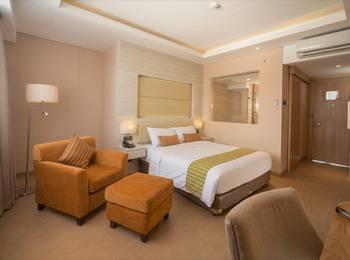 Sotis Hotel Kupang - Deluxe Queen Regular Plan