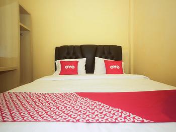 OYO 2049 Tassa Kost Syariah Jambi - Deluxe Double Room Early Bird
