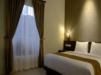 Ayola Tasneem Hotel & Convention Jogja - Deluxe Queen - with Breakfast Last Minute 10% Off