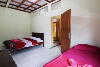Hotel Arjuna Puncak - Deluxe Room with Breakfast Special Deal