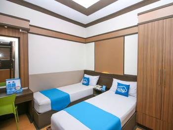 Airy Grage City Ahmad Yani 39 Cirebon - Standard Twin Room with Breakfast Regular Plan