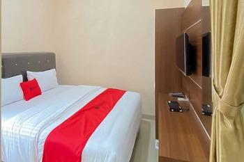 RedDoorz Plus @ Jalan P. Emir Moeh Noer Lampung Bandar Lampung - RedDoorz Room Basic Deal