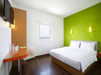 Amaris Hotel Citra Raya Tangerang - Smart Room Queen Special Promo Regular Plan