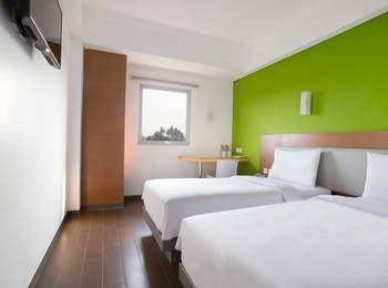 Amaris Hotel Citra Raya Tangerang - Smart Twin Room Promotion  Regular Plan