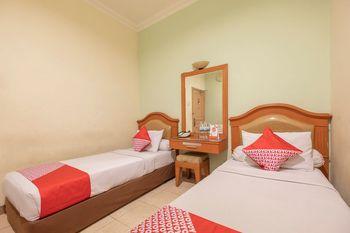 OYO 639 Hotel Harapan Makassar - Standard Twin Regular Plan