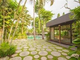 Y Resort Ubud - Deluxe Double Pool View with Bath Tub Last Minute Deal  36.9%