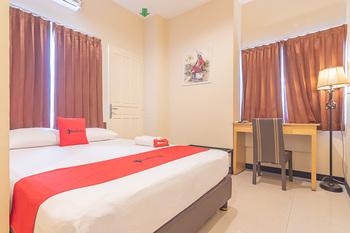 RedDoorz @ H. Agus Salim Street Pontianak - RedDoorz Room Regular Plan