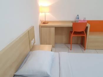 Losmen Simpang Lahat - Deluxe Double Room Only Regular Plan
