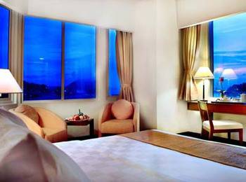 Aston Jayapura - Premier Deluxe Room Regular Plan