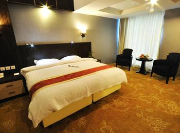 Hermes Palace Hotel Medan - Junior Suite Room PROMO DEAL SAVE 23%