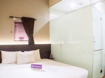 Tinggal Standard at Juanda Gambir - Deluxe Room Romantic Stay - 50%