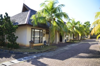 Town House Hotel Bukit Damai Indah Balikpapan - Villa Zamrud 2 Bed Rooms Room Only Regular Plan