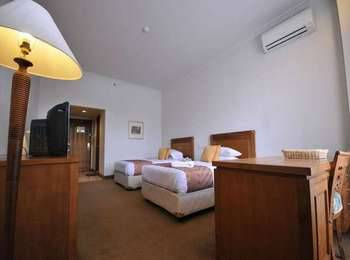Mesra Business & Resort Hotel Samarinda - Deluxe - Twin Bed - With Breakfast Regular Plan