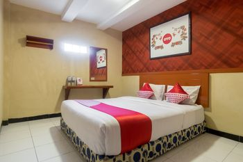 OYO 687 Residence Hotel Syariah Medan - Standard Double Room Regular Plan