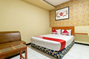 OYO 687 Residence Hotel Syariah Medan - Suite Double Regular Plan