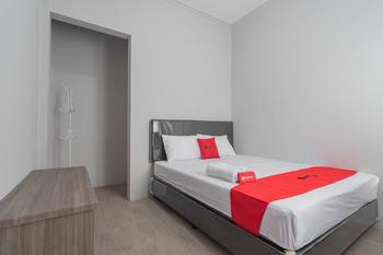 RedDoorz near Wisata Situ Gunung Sukabumi Sukabumi - RedDoorz Room Basic Deal