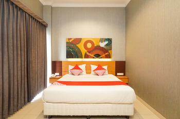 OYO 289 Hotel Dalwa Syariah Pasuruan - Deluxe Double Minimum Stay