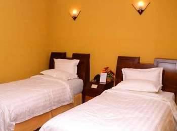 Dhaksina Hotel Medan - Deluxe Room Regular Plan
