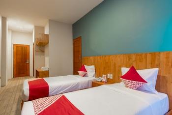 OYO 436 Raz Residence Medan - Deluxe Twin Room Regular Plan