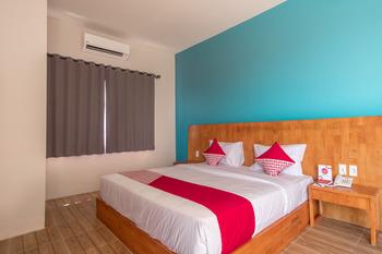 OYO 436 Raz Residence Medan - Deluxe Double Room Regular Plan