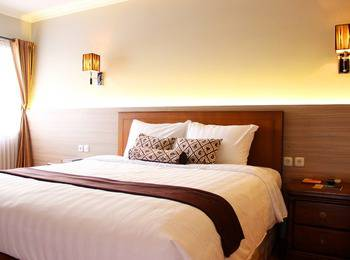 Front One Resort Jogja Yogyakarta - Deluxe Room Breakfast (Double/Twin Bed) Regular Plan
