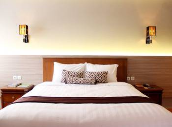 Front One Resort Jogja Yogyakarta - Deluxe Room Only (Double/Twin Bed) Special Deals