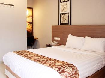 Front One Resort Jogja Yogyakarta - Superior Room Breakfast (Double/Twin Bed) Regular Plan