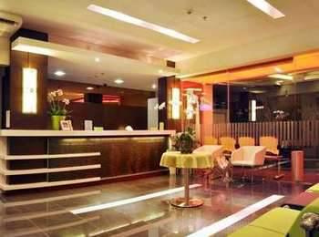 Bamboo Inn Hotel & Cafe
