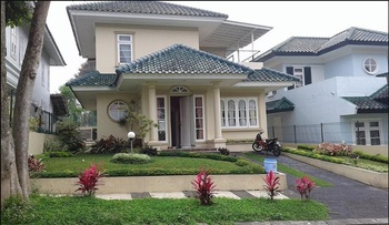 Villa Puncak Resort By DCM Cianjur - 5 Bedroom Special Deals
