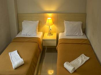 Miracle Hotel Manado - Deluxe Twin Regular Plan