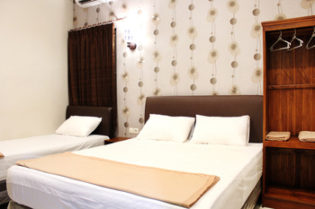 House of Dharmawan Surabaya - Family Room Room Only - Non Refundable Special Deal