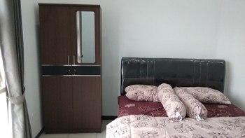 Villa Dua Langkah 1 Malang - One Bedroom Queen Size Regular Plan