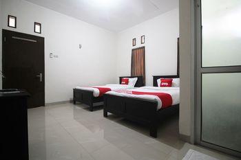 OYO 1547 Wisma Ray Syariah Bandar Lampung - Standard Twin Room Regular Plan